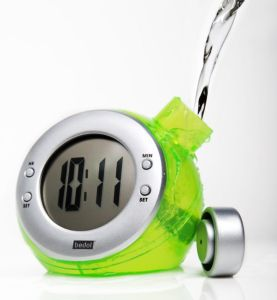 cropped green water clock Grn Pour