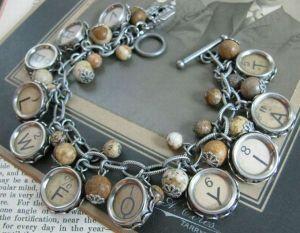 old-skeleton-and-typewriter-keys-jewelry-4_j1dDS_24429