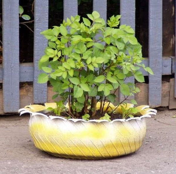 Simple Steps To Make Garden Planters Out Of Old, Recycled Rubber Tires