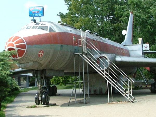 Letka the Airplane bar
