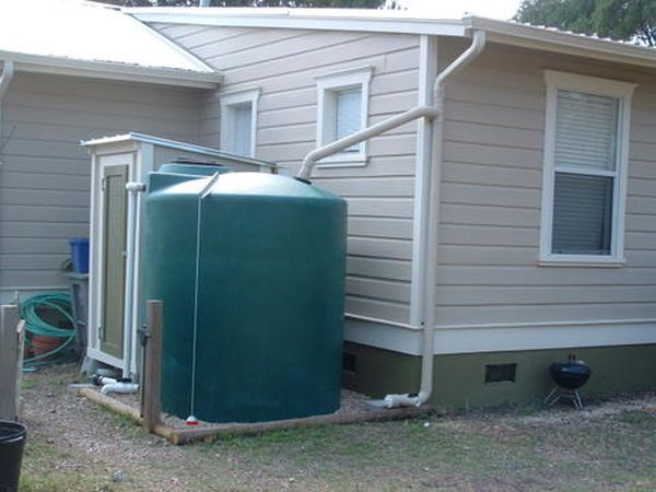 Harvest rainwater in containers 2