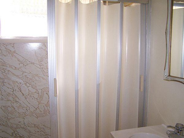 vinyl shower screens