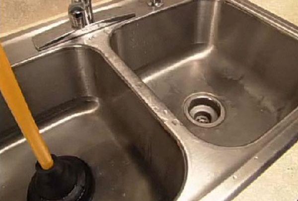 clogged-kitchen-sink-3