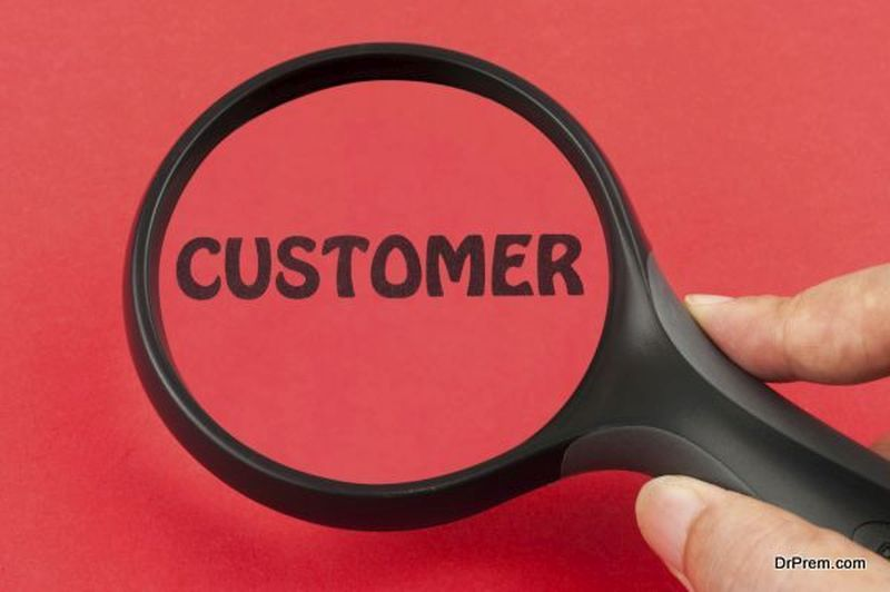 Searching for customer using magnifier on hand