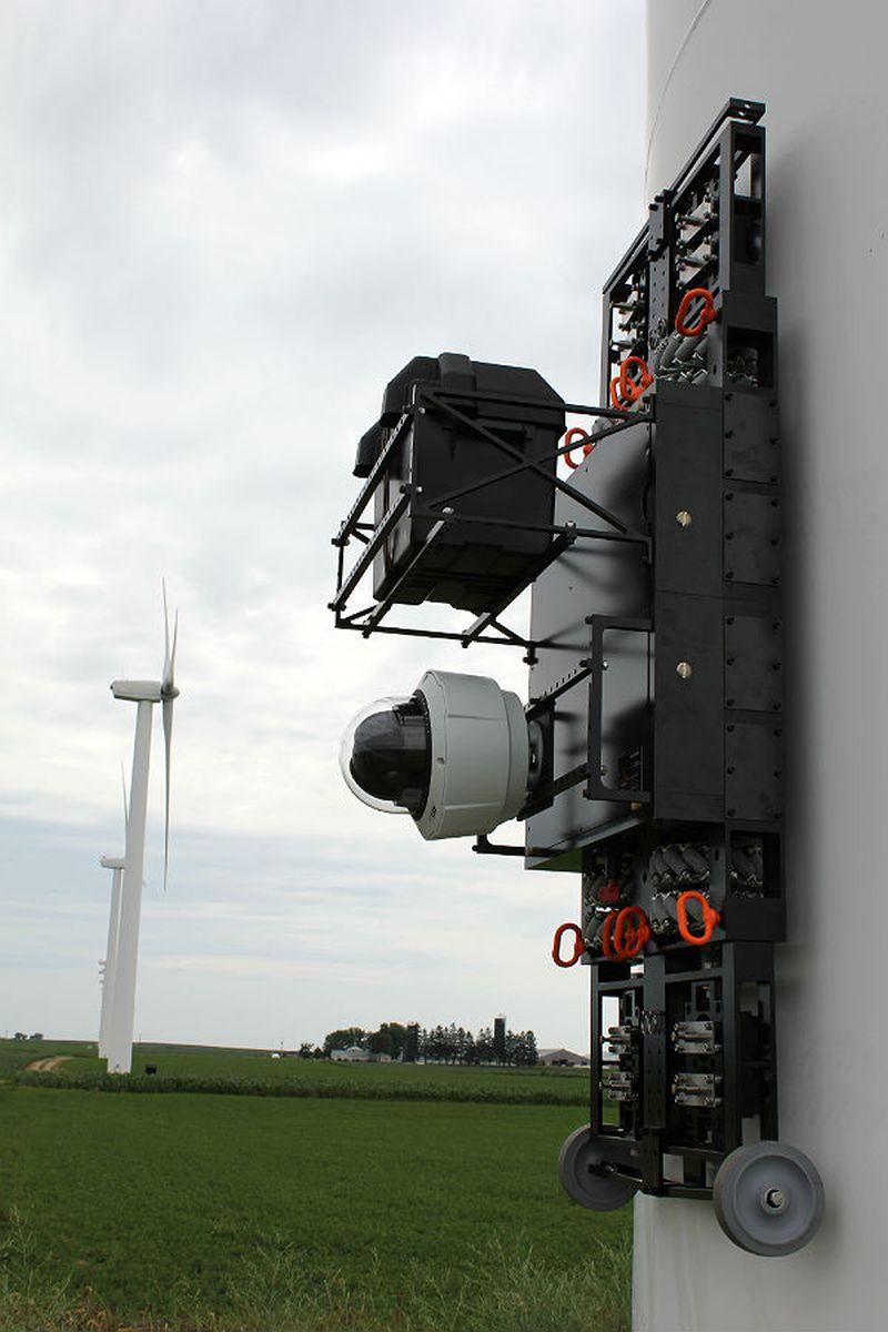 Rope climbing robot inspects Wind Turbines