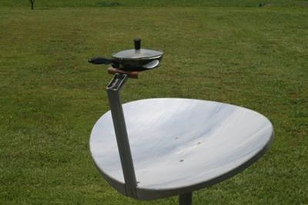Solar cooker from old satellite dish