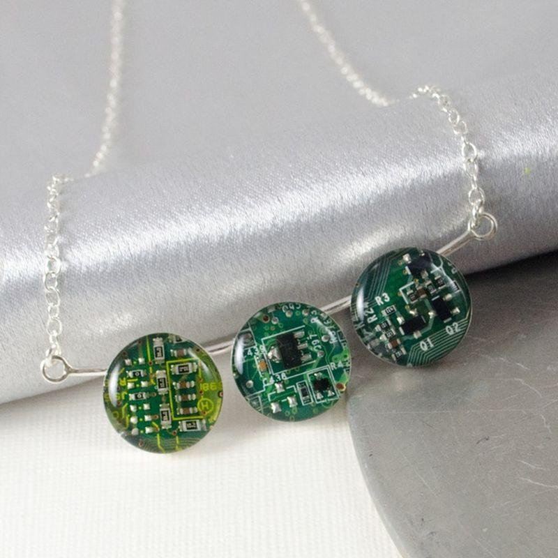 DIY eco-friendly jewelry using discarded PCB