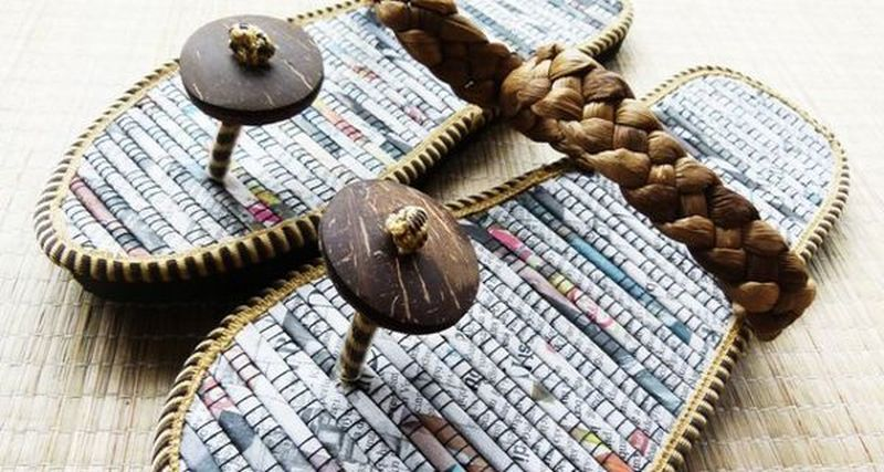 Flip-flops upcycled from old newspapers