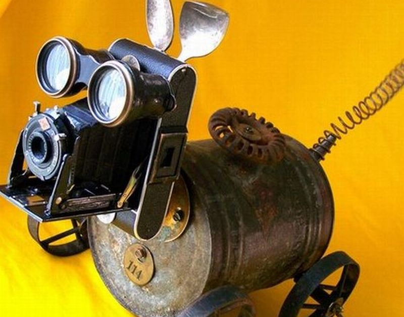 make a robot from recycled materials