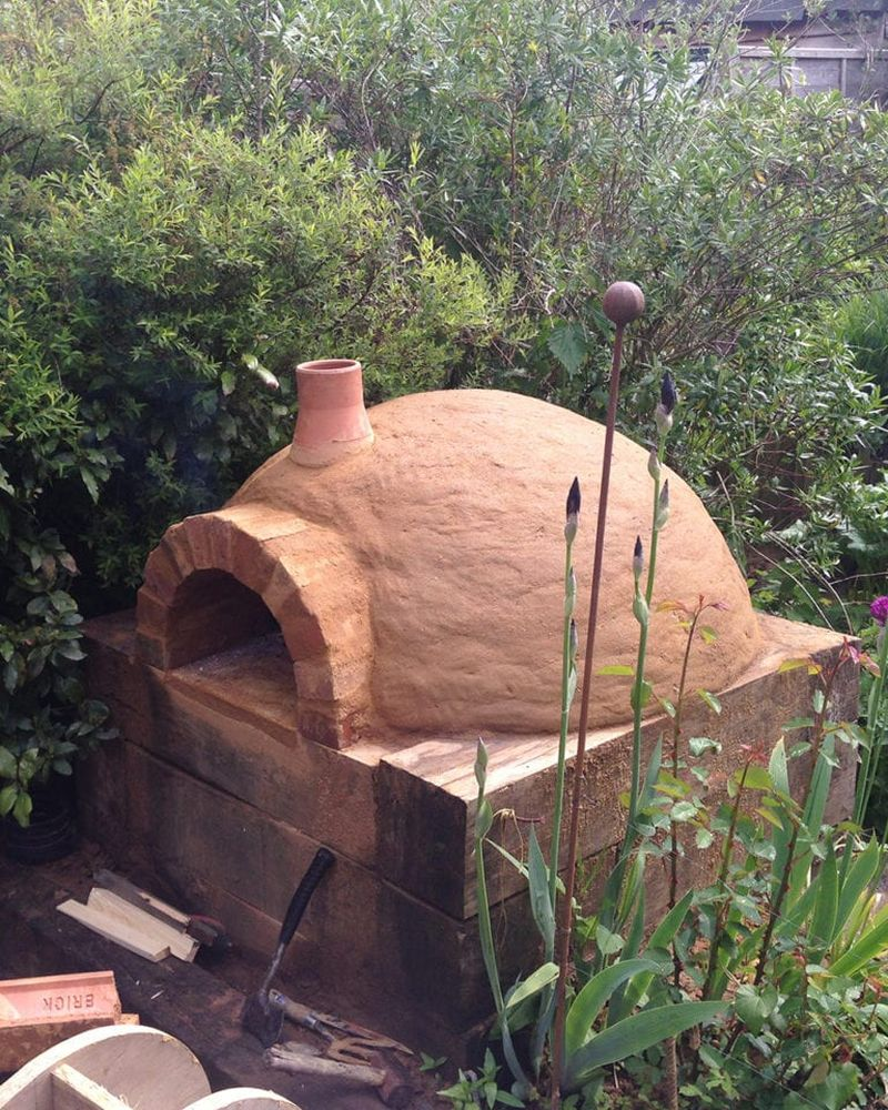 Outdoor ovens you can build using recycled materials and