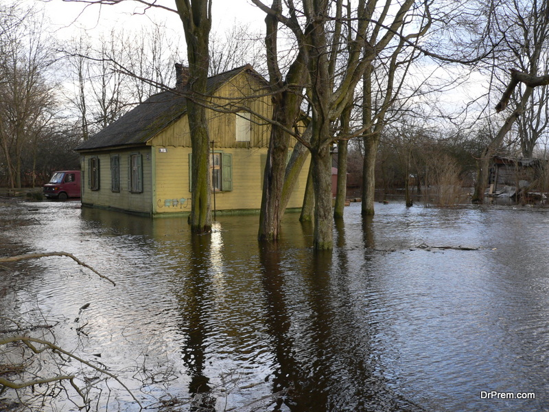 Floods disrupt lives