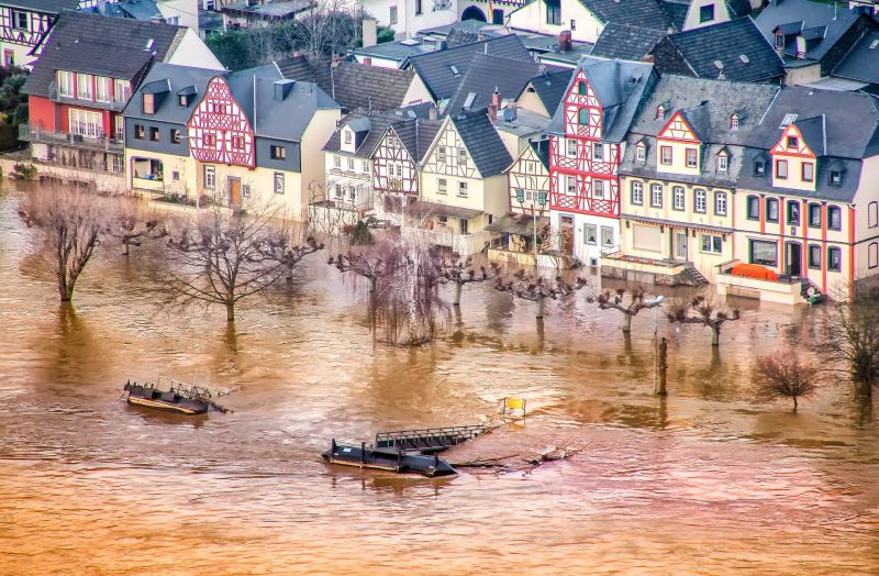 'flooded_house