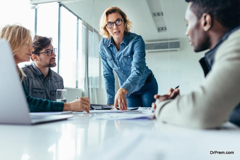 team-leader-discussing-marketing-goals