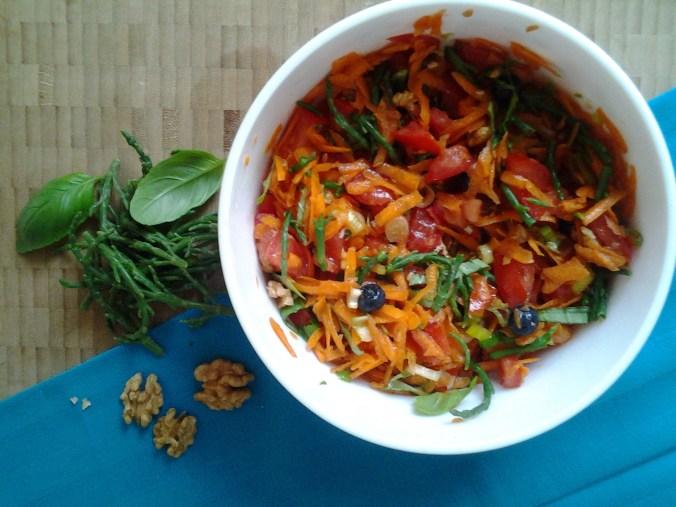 Wortel-tomaatsalade met zeekraal