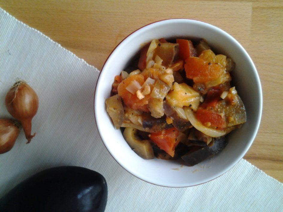 Gestoofde aubergine