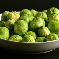 Dlaczego warto jeść warzywa krzyżowe, czyli zakochaj się w jarmużu