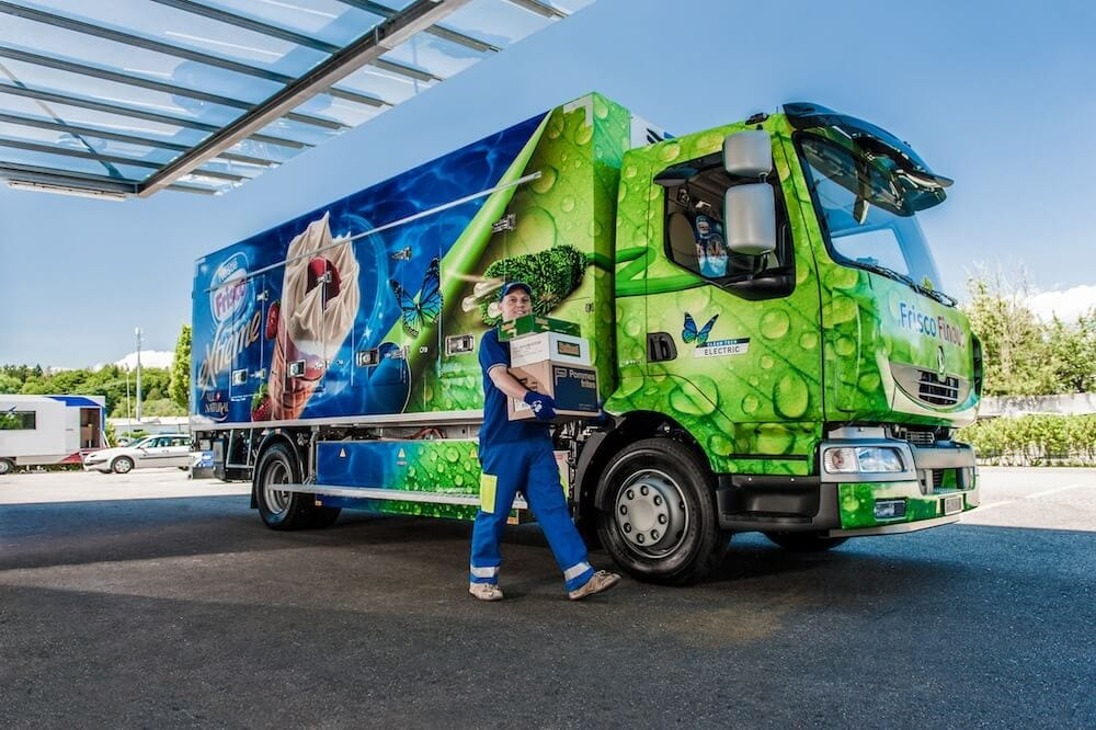 Refrigerated Truck Vehicle : Renault trucks delivering all electric refrigerated