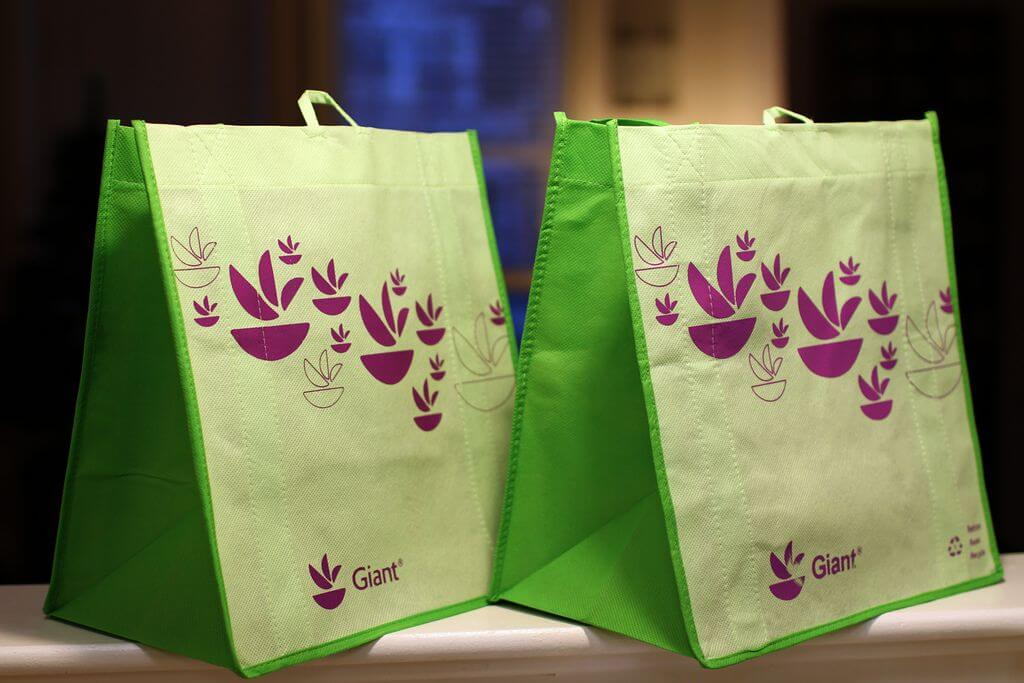 essay on reusable bags For at least a few decades, americans have been drilled in the superiority of tote  bags reusable bags are good, we're told, because they're.
