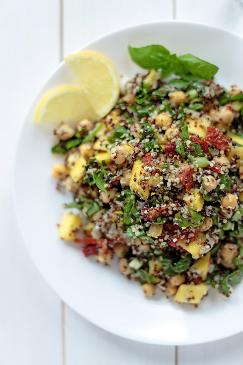 Quinoa Salad with Mango and Spinach