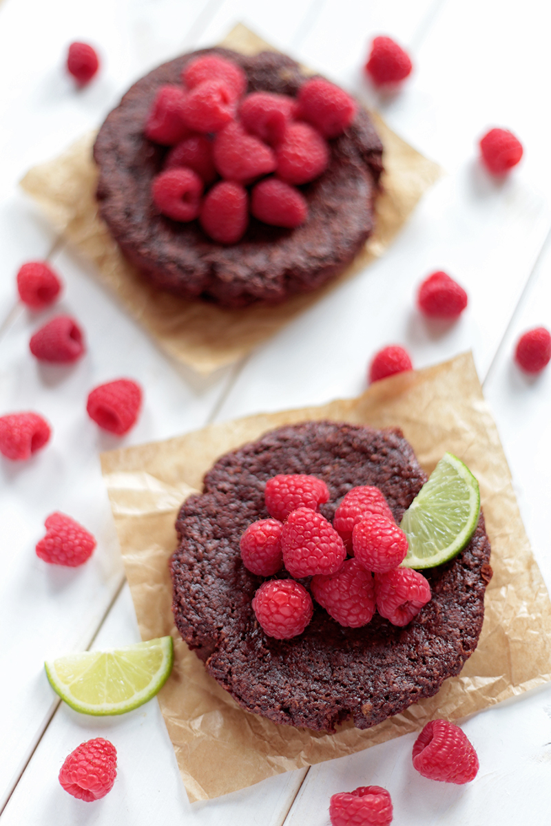 Flourless Chocolate Cake Toppings