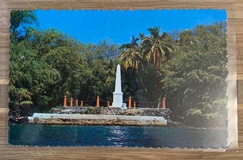 Captain Cook Monument postcard