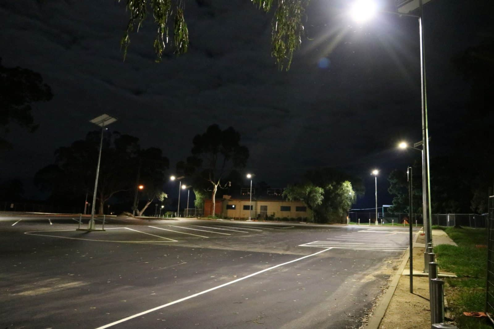 9 metre high solar powered car park lighting