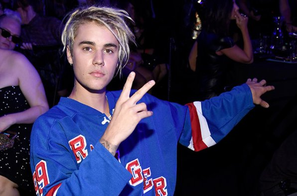 Justin-Bieber-backstage-iheartradio-awards-2016-billboard-650-a