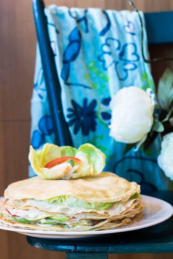 A classic main dish of my childhood birthday parties: My Mum's Crepe Cake! A delicious, healthy and fun salty cake with lettuce, tomato, avocado and egg.