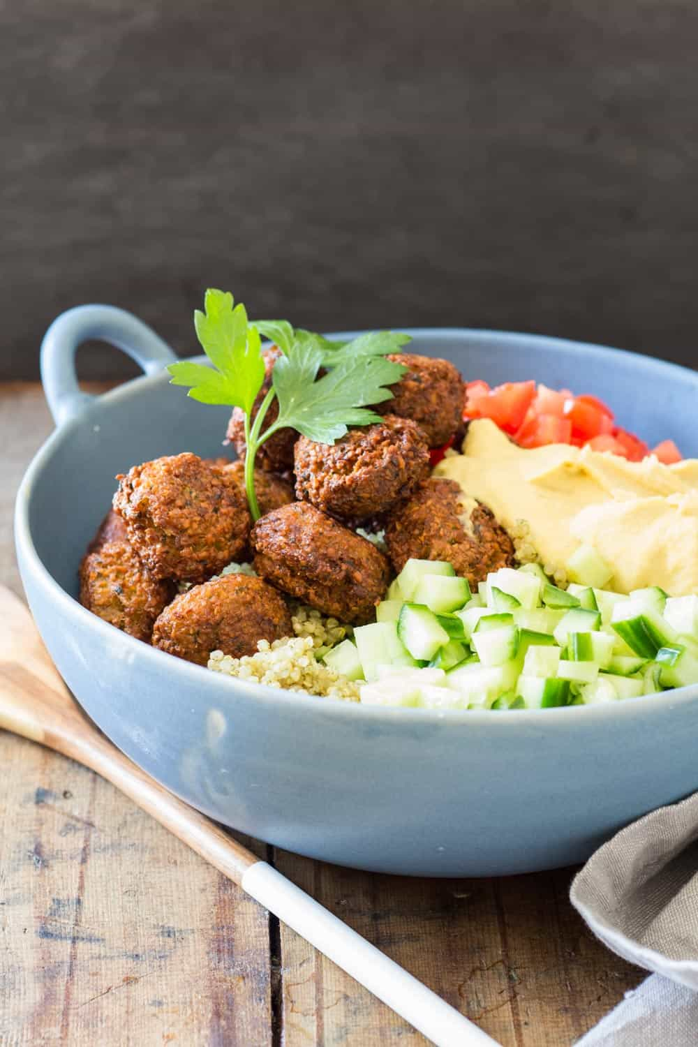 A healthy and highly nutritious flavorful Vegan Quinoa Falafel Bowl, perfect as a picnic or for dinner on the balcony or terrace.