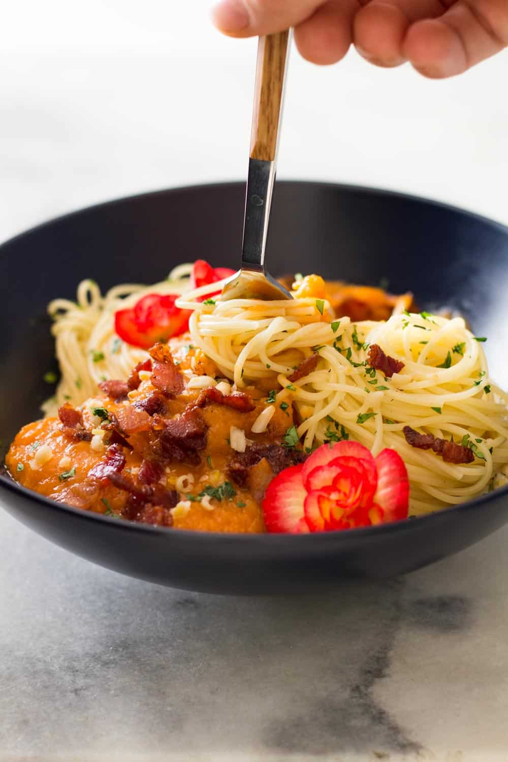 Fall starts tomorrow! Let's make some roasted Butternut Squash Pasta Sauce with Bacon on top of your favorite pasta. We have to celebrate the start of the most beautiful season of the year!