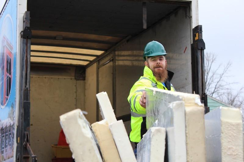 BRING reusing building materials