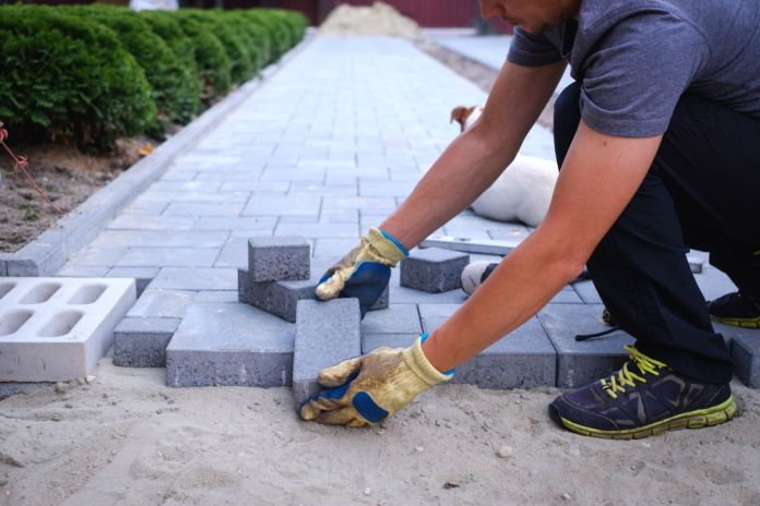 5 Ways to Use Sand in Landscaping Projects