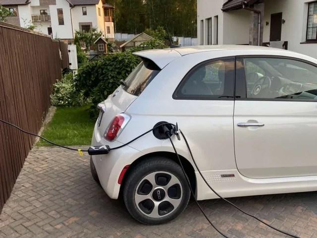 Зарядные устройства для электромобиля Fiat 500