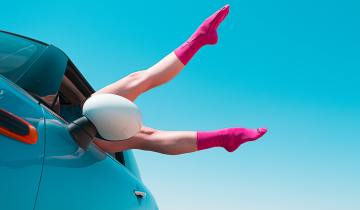 6 τρόποι για να μην πετάξουμε τις παλιές μας κάλτσες