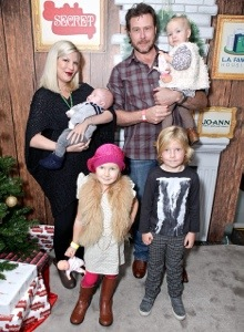 tori spelling goes earth day every day with her family