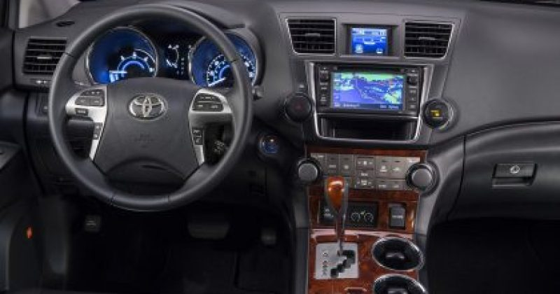 Toyota Highlander Hybrid Electric Car Limited
