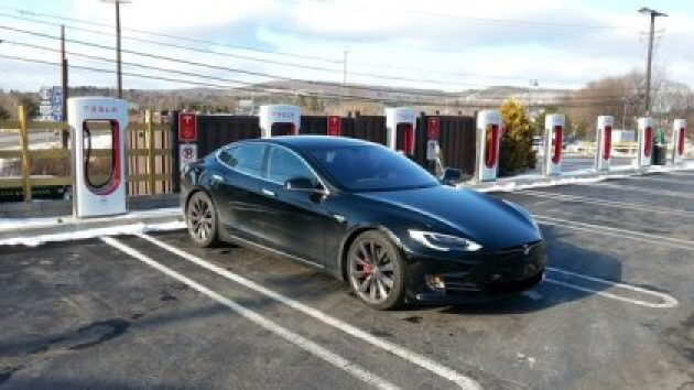 Tesla Model S P90D at Kingston NY fast charging