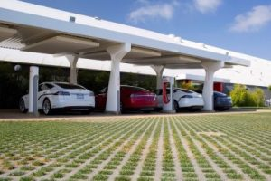Supercharger powered by solar Tesla