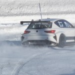 SEAT ELECTRIC CAR drive on snow and Ice