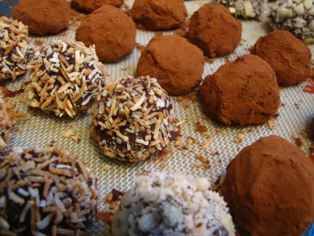 Divine Vegan Chocolate Truffles for Valentine's Day