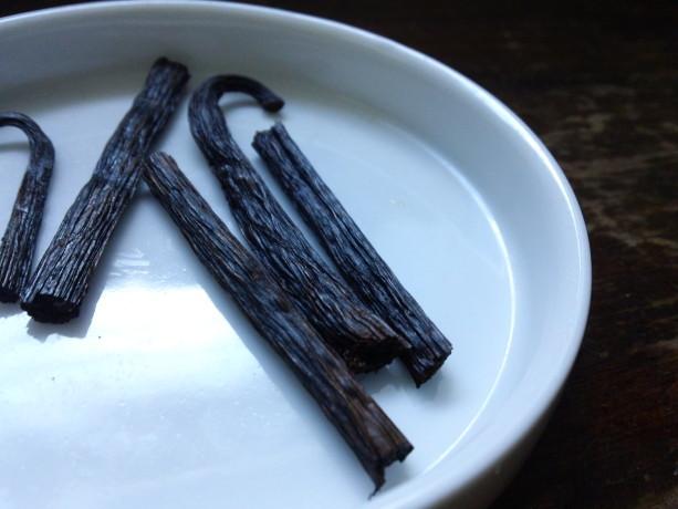 fresh vanilla beans for tea!