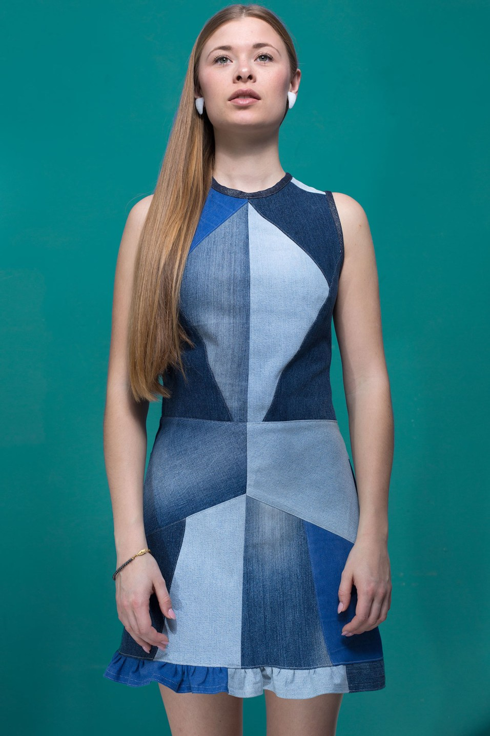 Bearb Mainseam_Crystals_Dress_Mya_blue_Front