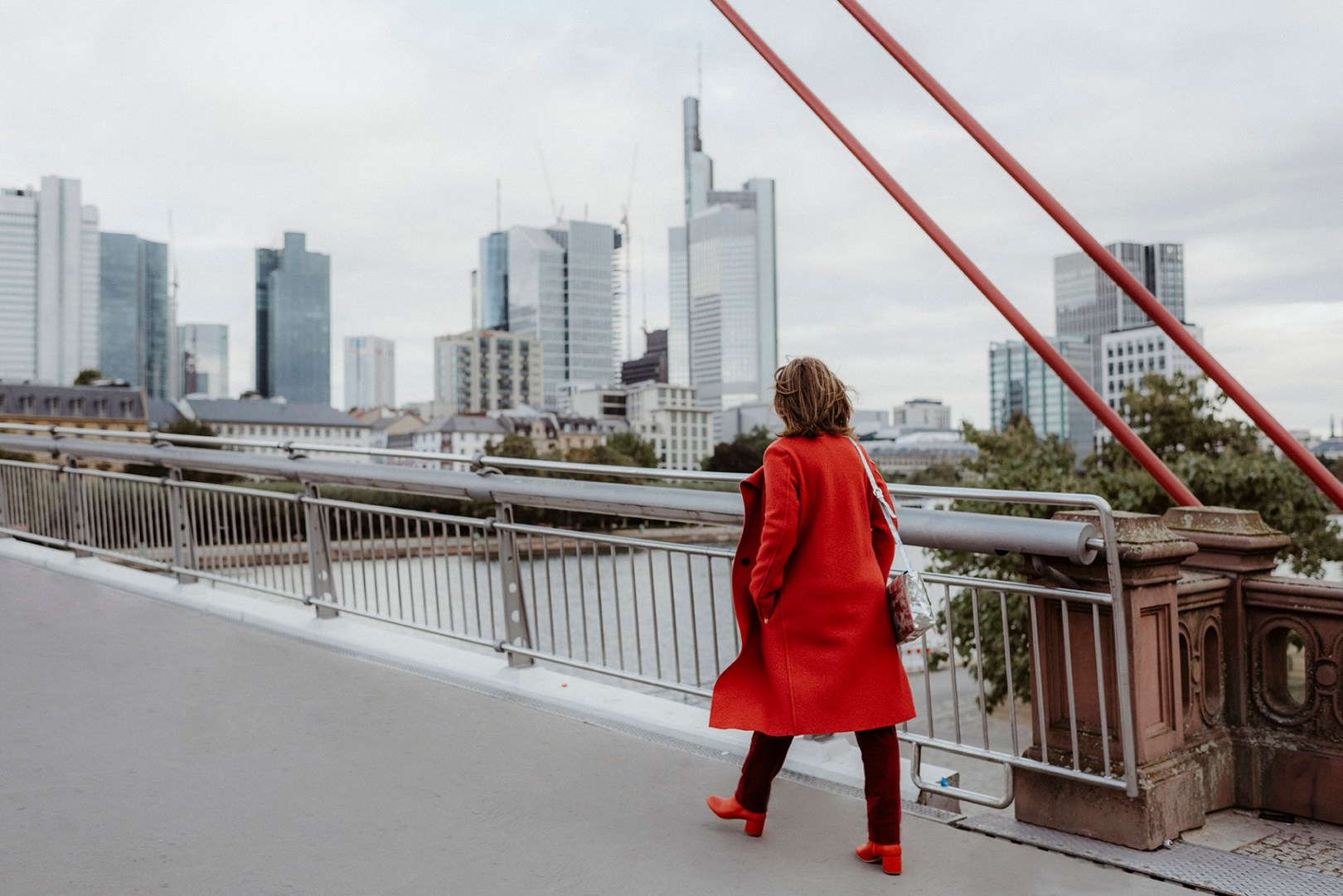 red outfit for autumn / fall