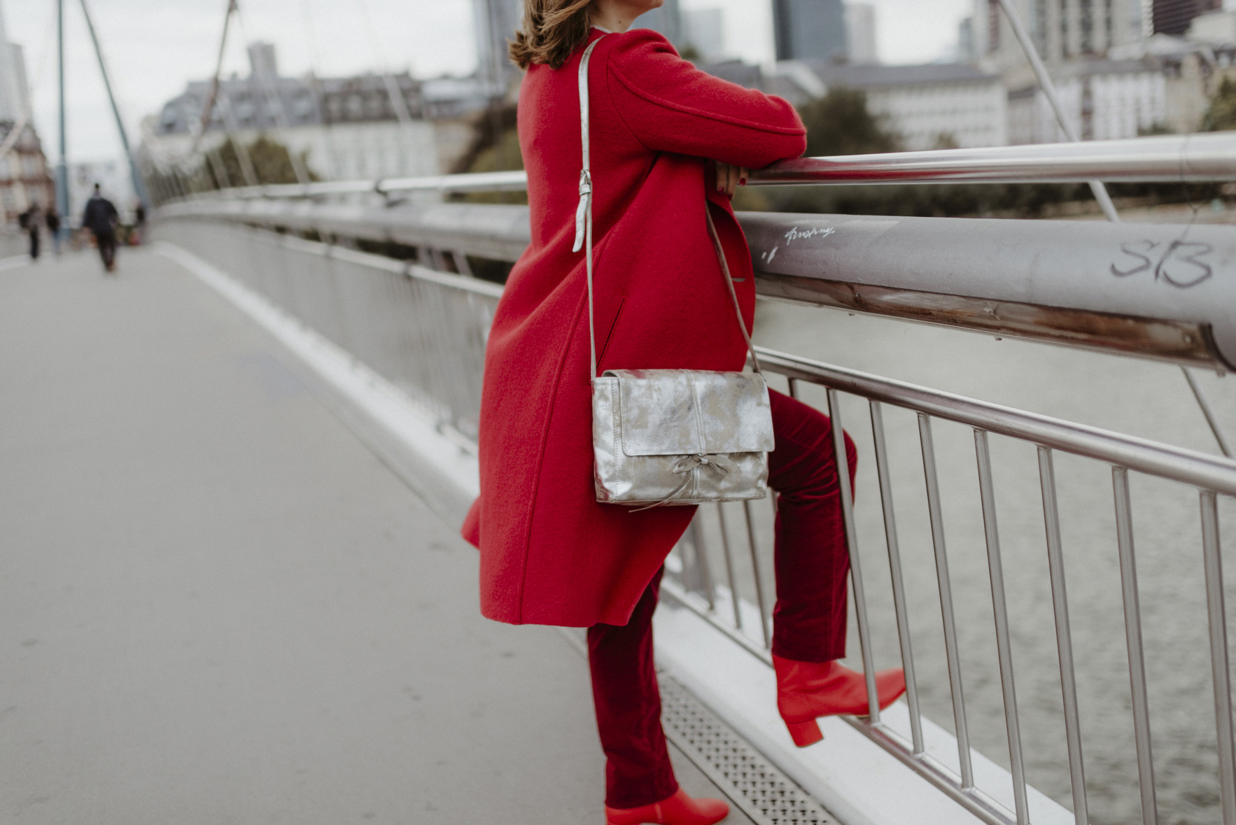 greenlooksgreat-lanius-ninetofive-fairfashion-herbst-rot