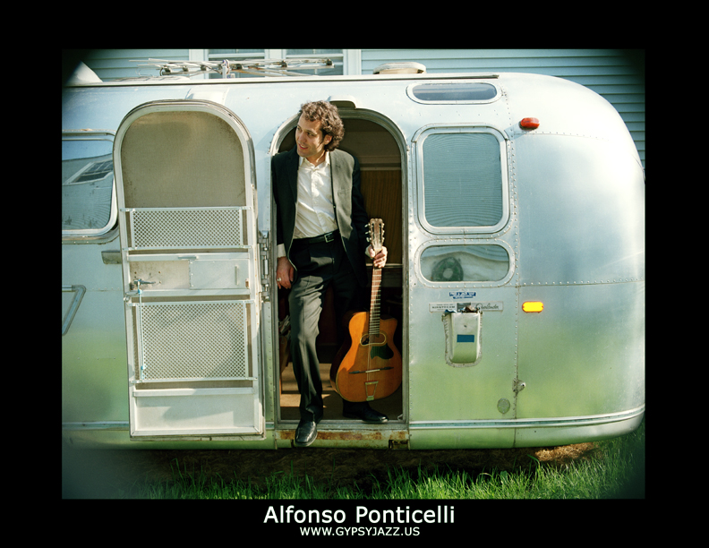 (9pm - 1am) ALFONSO PONTICELLI & SWING GITAN Special Free Chicago Jazz Festival Performance