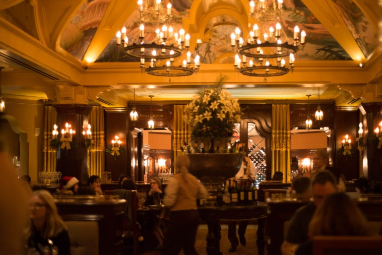 Carthay Circle Dining Room - Tons to do at California Adventure for Adults #disneyland #vacation #planning