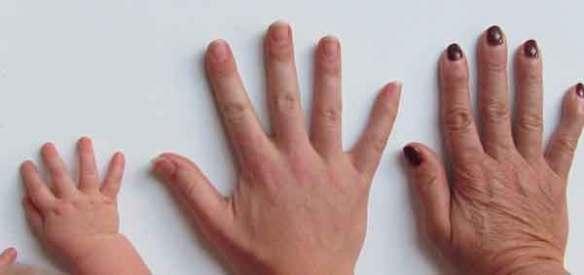 손톱-손톱물어뜯기-손톱손질-손톱깎기