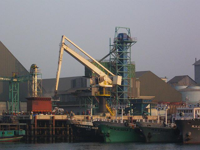 Ship-building on the Shitalakhya River in Bangladesh