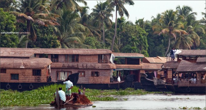 the rush of house boats in lake vembanad, Alleppey (Alappuzha) , Kerala
