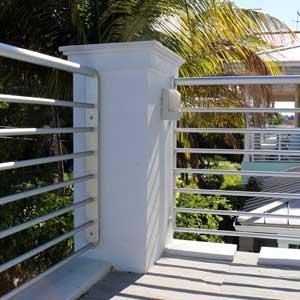 modern aluminum deck railing